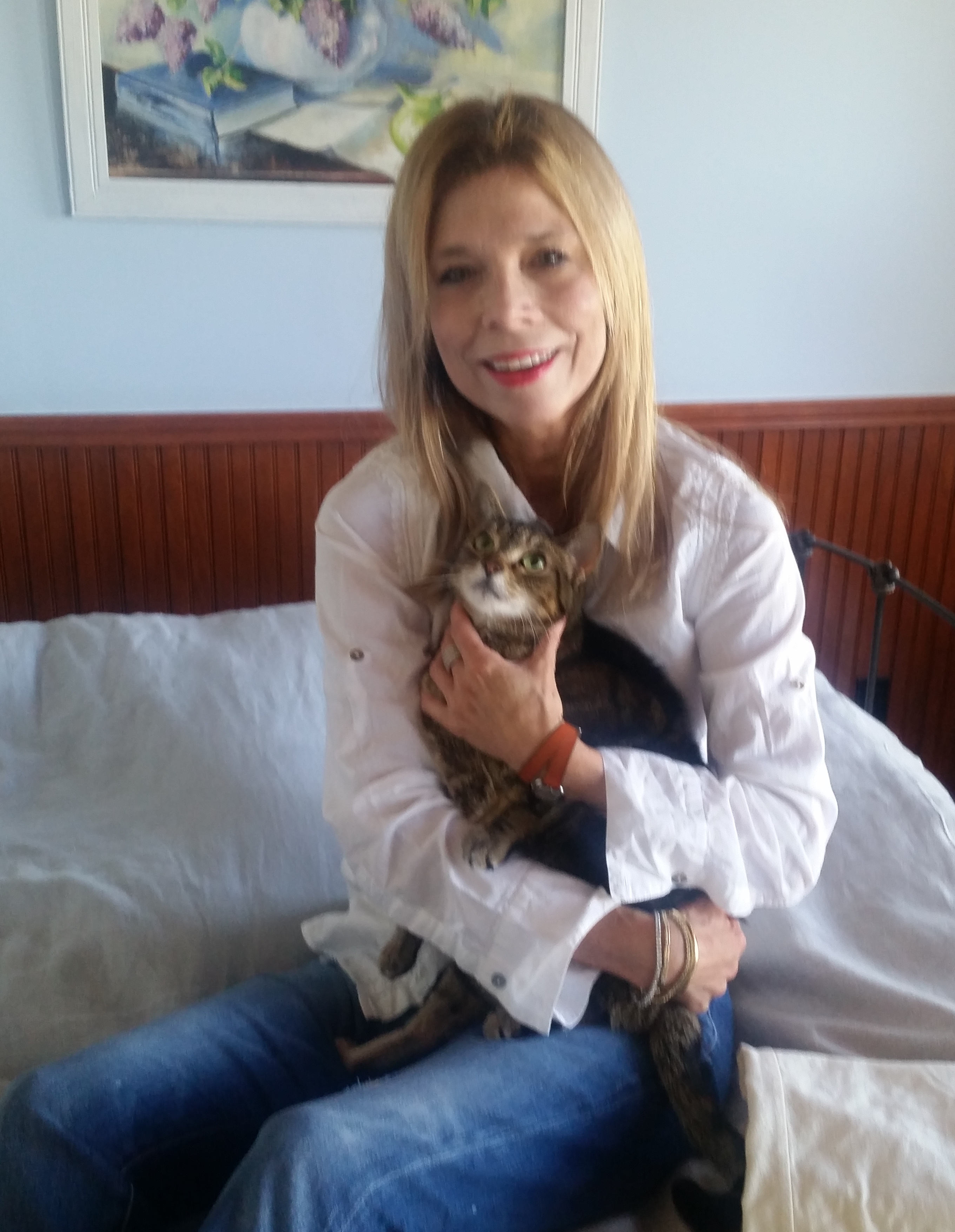 woman and lost cat after recovery